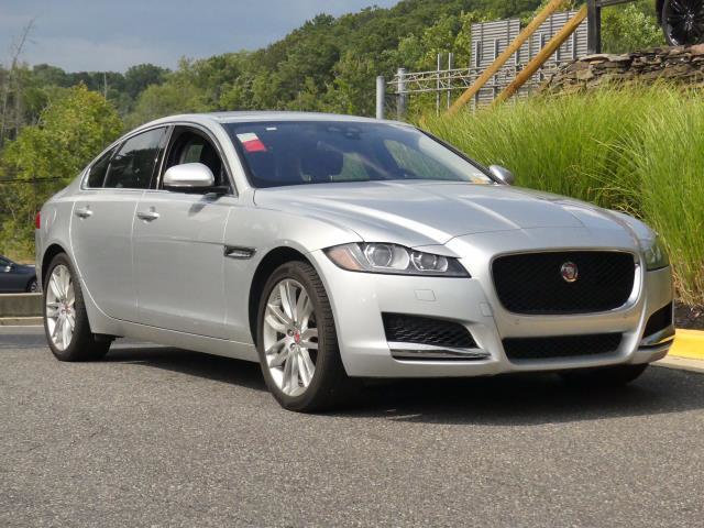 Pre-Owned 2016 Jaguar XF 4dr Sedan 35t Prestige AWD