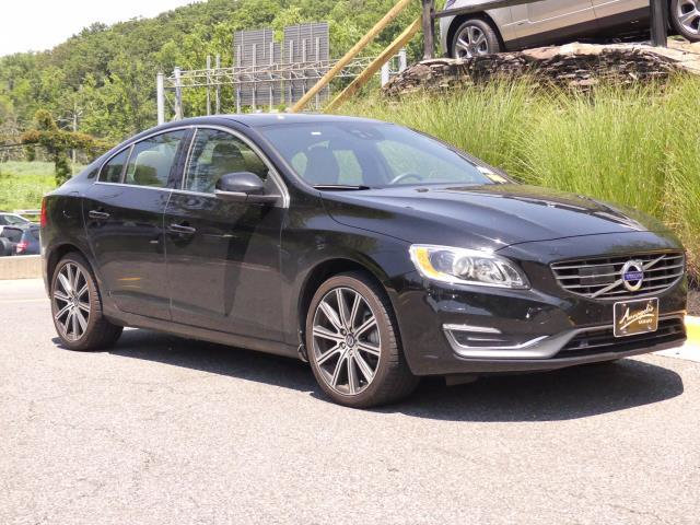 Pre-Owned 2015 Volvo S60 4dr Sedan T6 Drive-E Platinum FWD